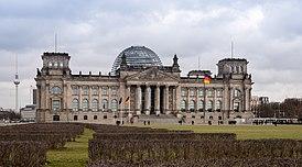 Bundestag Berlin Deutschland Reichstagsgebäude - 02.jpg