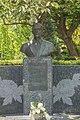 Buste Johannes van Weezel, Den Haag.jpg
