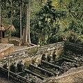 COLLECTIE TROPENMUSEUM Badplaats bij de Pura Goa Gajah of Olifantsgrot TMnr 20027325.jpg