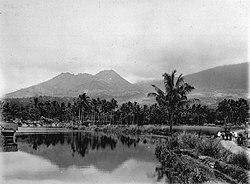 COLLECTIE TROPENMUSEUM Landschap bij Tjipanas nabij Trogong ten noord-westen van Garoet op West-Java. TMnr 60012843.jpg