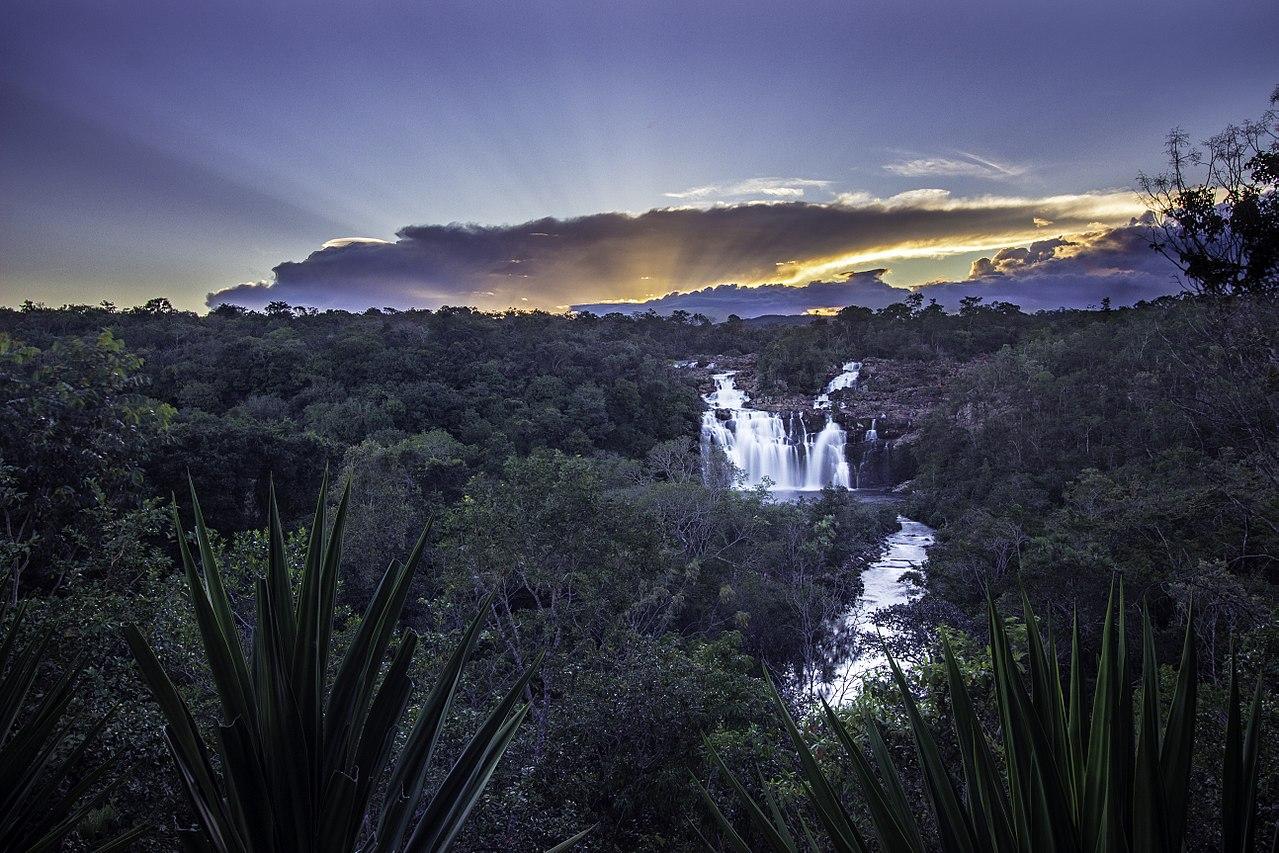 Cachoeira Poço Encantado - Chapada dos Veadeiros GO.jpg