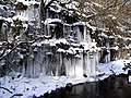 Cascade of icicles - geograph.org.uk - 1158500.jpg