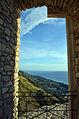 Castello della Valle-veduta mare.jpg