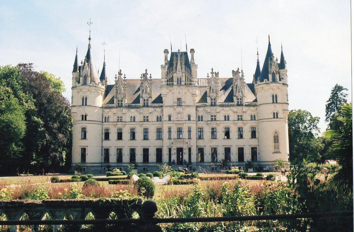 Château de Challain-la-Potherie — Wikipédia