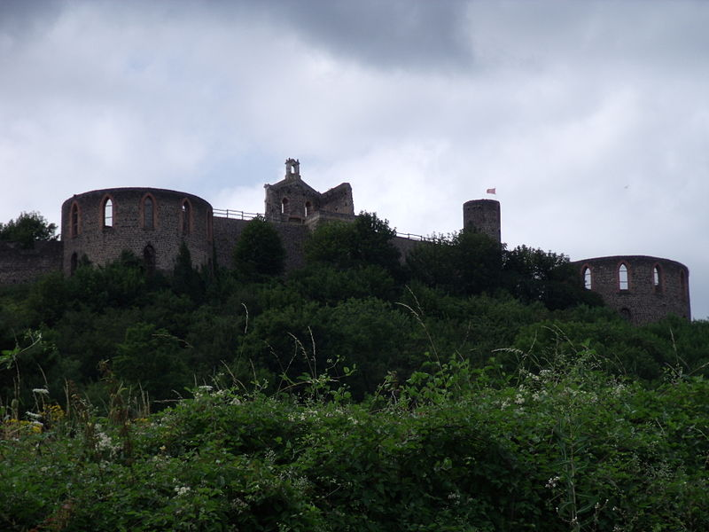 File:Château de MARCILLY-le-CHÂTEL (42).JPG