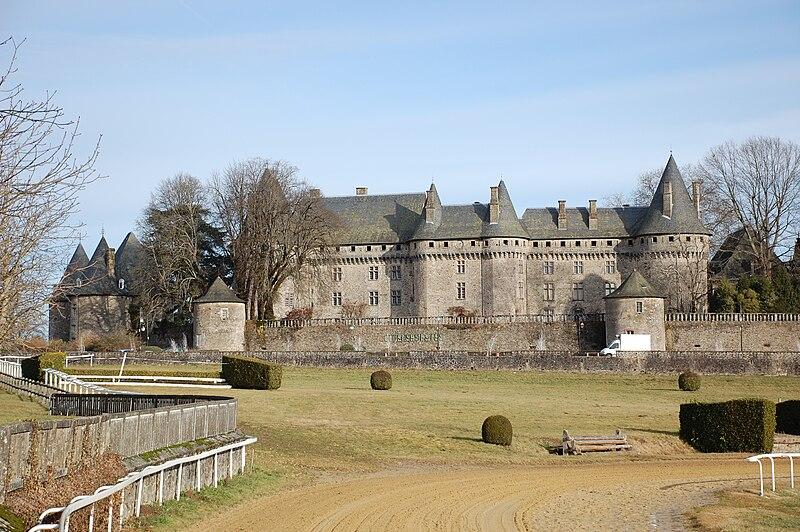 File:Château de Pompadour - 1.jpg