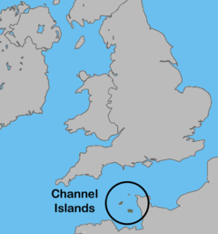 A map of the location of the Channel Islands, located between southern Great Britain and Northern France.