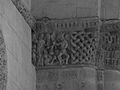 Chapiteau colonne N&B Église Saint-Vivien-de-Médoc 1.JPG