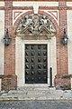 Chartres, Hôtel Montescot 11 porte latérale sur cour.jpg
