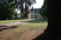 Chateau-de-courtalain vu-du-parc.jpg