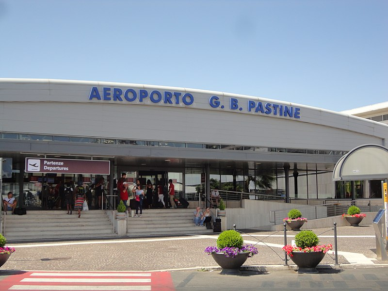 File:Ciampino–G. B. Pastine International Airport in 2018.06.jpg