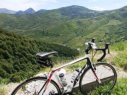 Cicloturismo-inicio del Col del Aubisque y circo del Soulor al fondo-Francia-2014-3