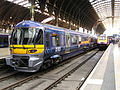 Class 332 Heathrow Express EMU 332006 & Class 43 HST 43079, Paddington 12.04.2008 P4120017 (10273067956).jpg