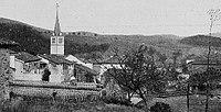 Claveisolles - Vue du bourg.jpg