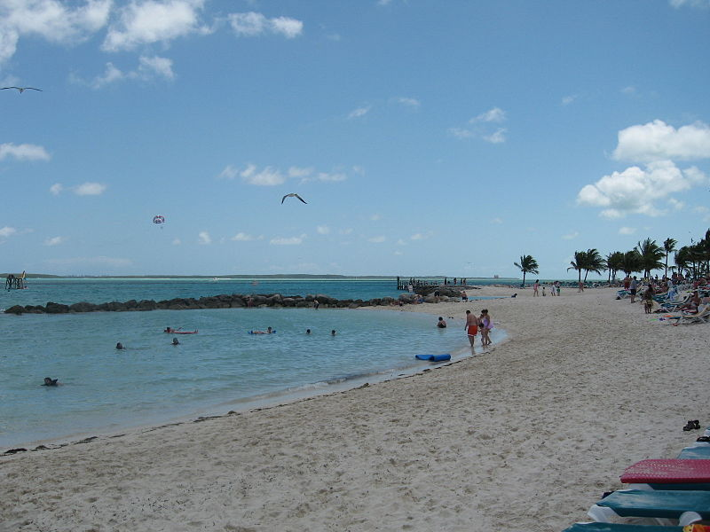 File:CocoCay -- Beach and Snorkeling Lagoon and Parasail.jpg