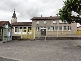 The town hall and school in Coincourt