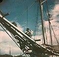 Collectie NMvWereldculturen, TM-10035696, Dia, 'Buginese prauw, vermoedelijk op de vismarkt van Batavia', fotograaf onbekend, 1932-1940.jpg