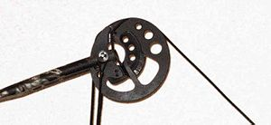 Compound bow - Browning compound bow pulley system closeup