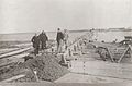 Construcción puente de Rawson ca.1889.jpg