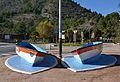 Coves de sant Josep de la Vall d'Uixó, barques com a decoració.JPG
