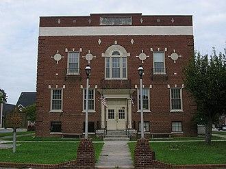 Burkesville, Kentucky - Cumberland County courthouse in Burkesville