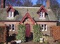 Cute Gate House - geograph.org.uk - 122409.jpg