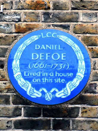 Stoke Newington Church Street - Blue plaque erected in 1932 by London County Council at 95 Stoke Newington Church Street commemorating Daniel Defoe