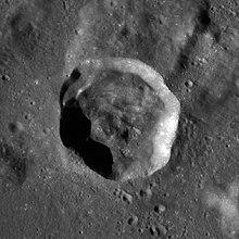 德尔莫特陨石坑