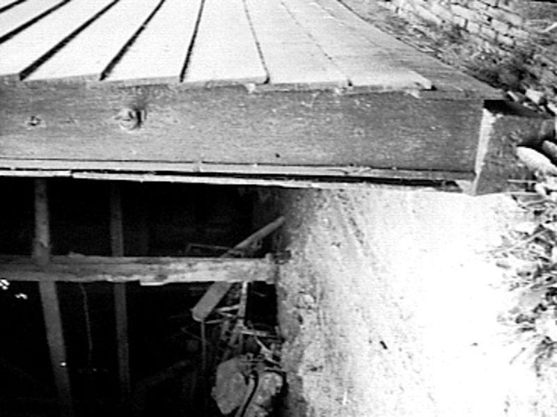 File detail houten wand barendrecht 20485526 wikimedia commons - Kleden houten wand ...