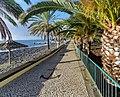 Die gepflegte Strandpromenade von Santa Cruz, Madeira. 03.jpg