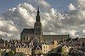 Dinan - Saint-Sauveur vue des remparts.jpg