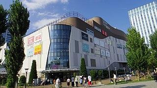 DiverCity Tokyo Plaza Shopping mall in Tokyo, Japan