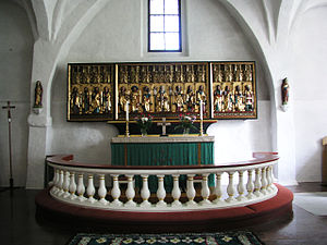 Drothem Church - Interior view of the church with the altarpiece from 1512