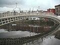 Dublin, half penny bridge - panoramio.jpg