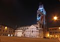 Duomo da Piazza Grande con Ghirlandina in restauro.JPG