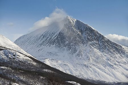 Durmålstinden (Spiidnegáisá) northwest face, 2012 March.jpg
