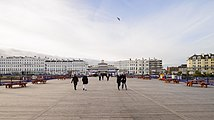 Eastbourne Pier March 2017 03.jpg