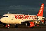Easyjet A320, G-EZOG (25361173752).jpg