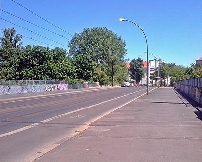 So kommt man zu der Eldenaer Straße Ecke Scheffelstraße mit den Öffentlichen - Mehr zum Ort Hier