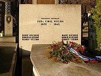 Emil Hacha grave Vinohrady Cemetery Prague.JPG