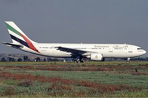 Emirates (airline) - Emirates Airbus A300, one of the airline's first aircraft (1995)