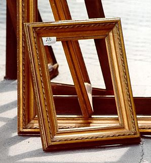 Picture frame decorative edging for a picture, such as a painting or photograph