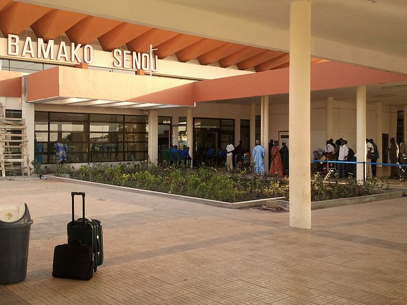 File:Entrance to terminal building at Bamako-Sénou International Airport.jpg