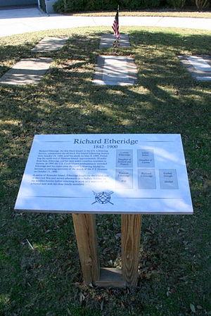 Pea Island Life-Saving Station - Etheridge gravesite