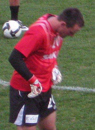 Eugene Galekovic - Galekovic warming up for Adelaide United in 2008.
