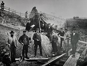 Excavation Oseberg ship 1.jpg