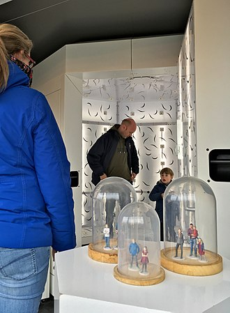 3D modeling - 3D selfie models are generated from 2D pictures taken at the Fantasitron 3D photo booth at Madurodam