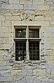 Fenêtre meneaux Château Herm.jpg