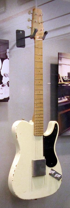 Fender Telecaster - Image: Fender Esquire 1st prototype in 1949 at Fender Guitar Factory museum