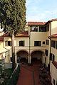 Firenze, cortile dell'ex-convento di san giovannino dei cavalieri 03.JPG